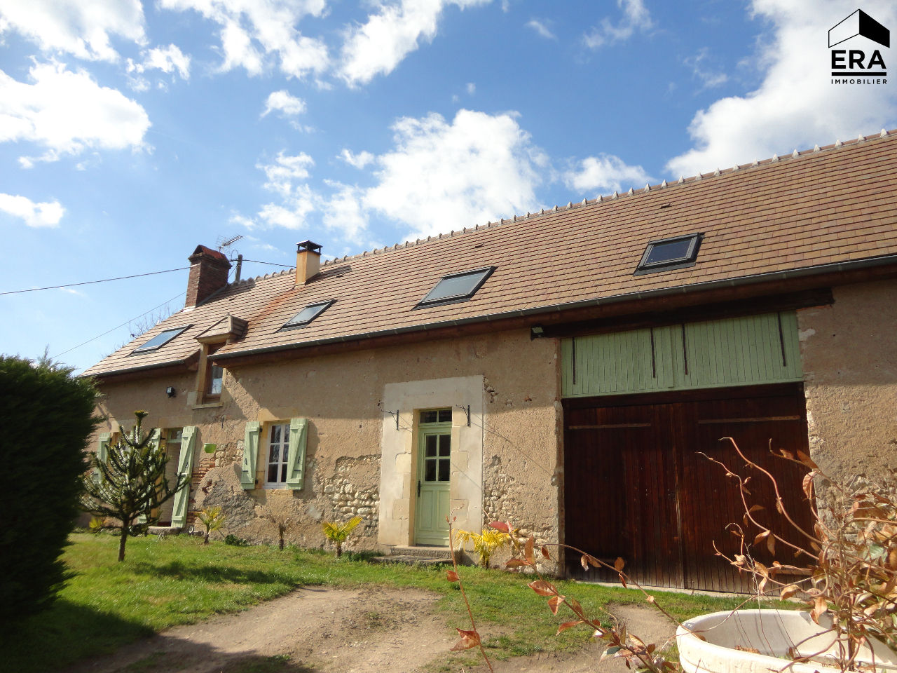Fermette Chantenay Saint Imbert 146.48 m2
